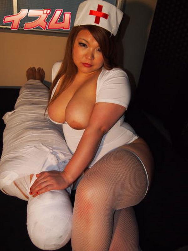 Голые пышные азиатки с грудями
