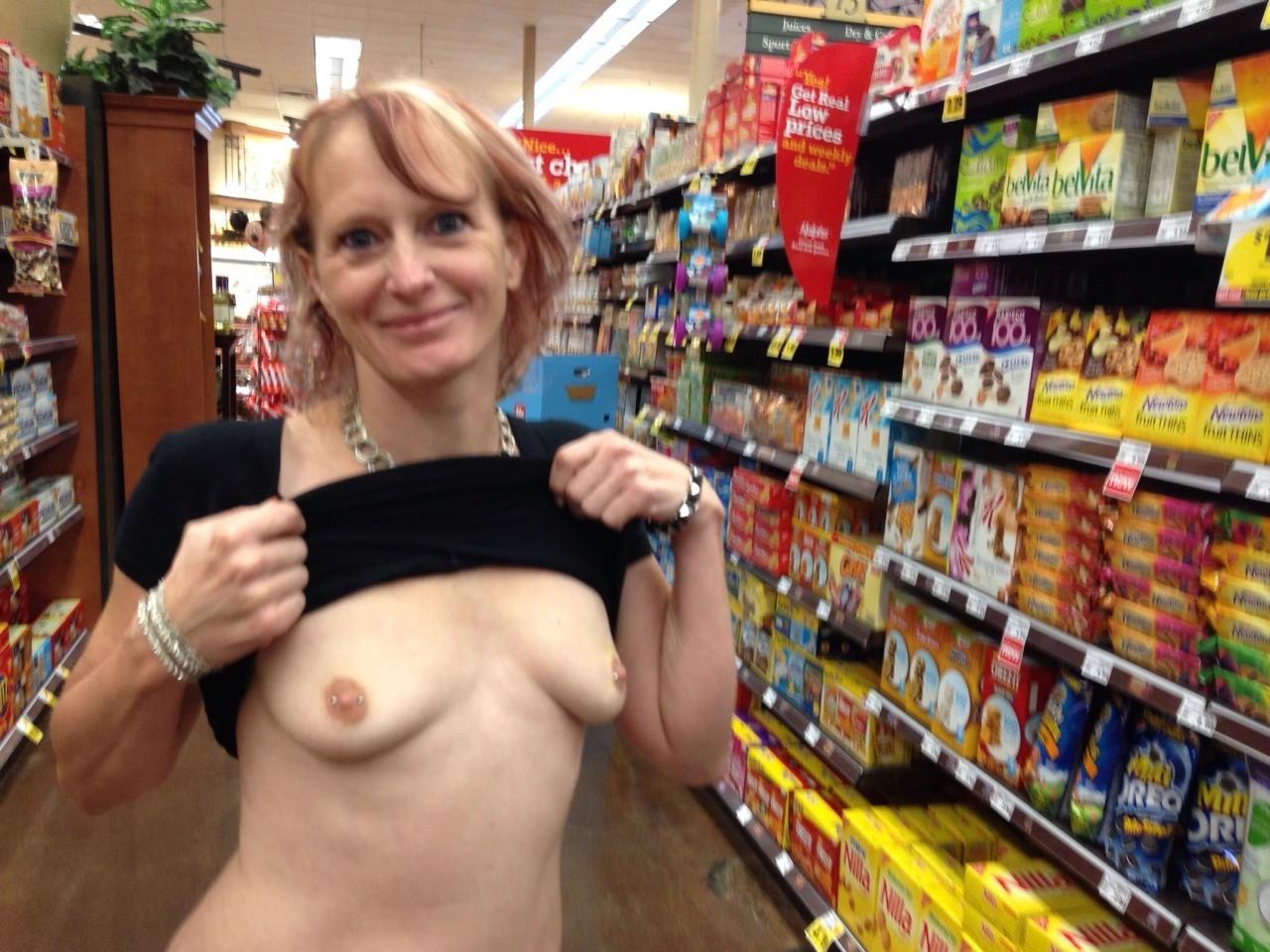 Засветы женщин в магазинах