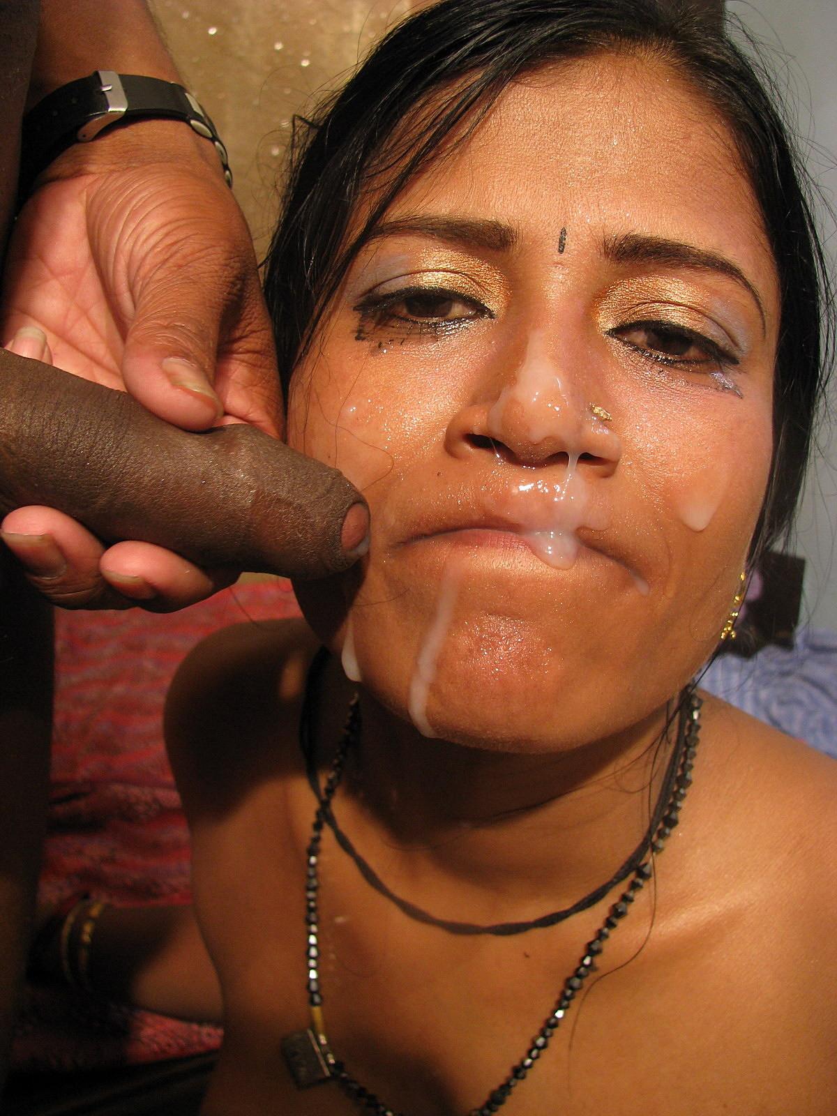 Четыре индианки занимаются сексом по очереди